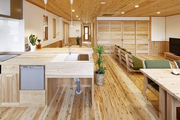 自然素材 音響熟成木材キッチン