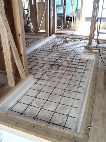 施工事例 リフォーム O様邸 床暖房配管