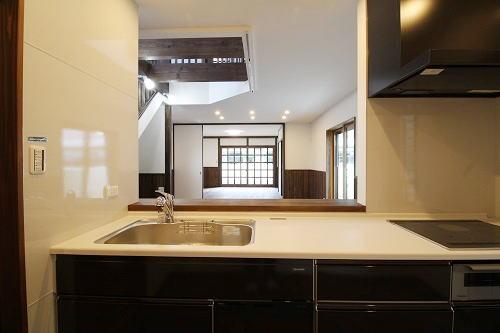 施工事例 大きな吹抜けのある家 キッチン