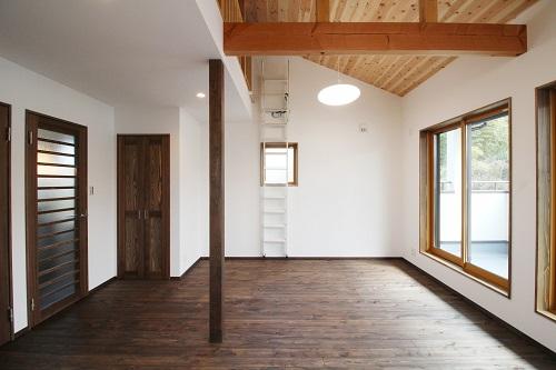 施工事例 大きな吹抜けのある家 2階洋室