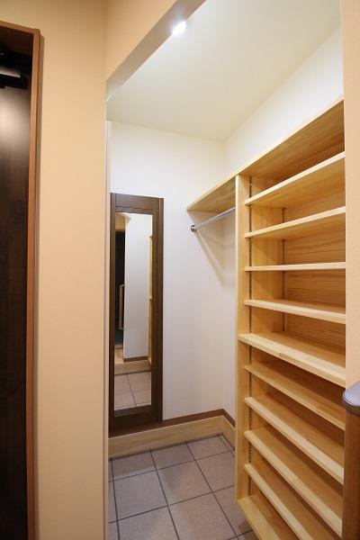 暖かい家に住みたい 玄関土間収納